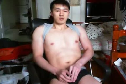 A wicked Chinese Hand Job In cam