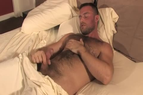 bushy Bodybuilder Solo jerking off