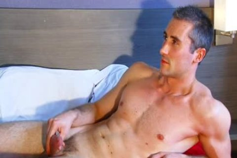 Full clip scene scene: A nasty blameless straight fellow Serviced His large cock By A fellow' Data-thumbnail=