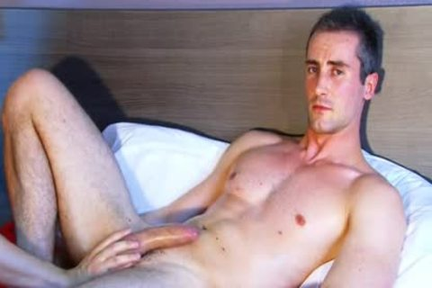 Full clip: A pretty virginal straight twink Serviced His large knob By A twink.