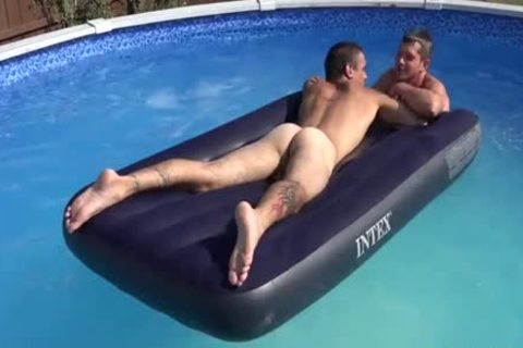 agreeable In The Pool