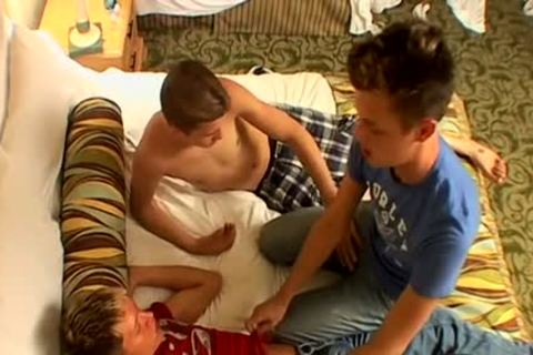 An amazing twink three-some - Ayden James, Kayden Daniels & Ryan Connors