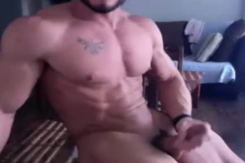 Muscle guy acquires nude And Wanks On webcam