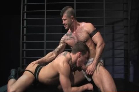 Muscle homo Flip Flop With butthole cumshot