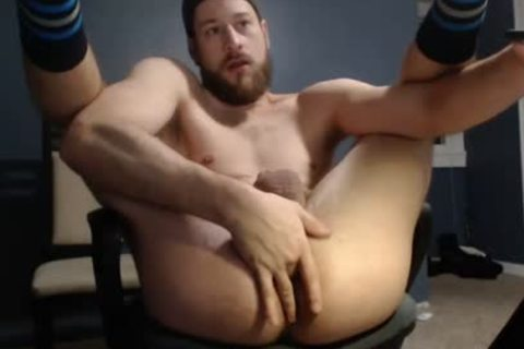 Hunk Takes thick sex tool On webcam