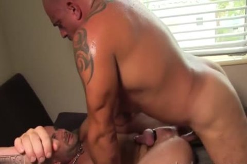 Bruce And Jay nail bare And coarse