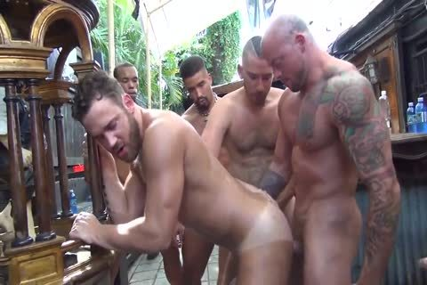 Logan Moore bunch-sex Pt.2