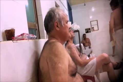 males 'S SHOWERS