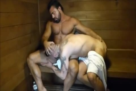 MM Two hairy Muscle Hunks fuck bare At The Gym