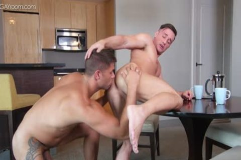 power Muscle Bottom Alexander Volkov receives pounded By Tyler Roberts