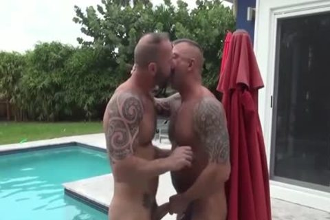 HubxDaddy strong brawny Bear Sex By The Garden Pool