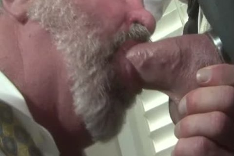 sleazy daddy Traigh-man Want To bang