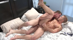 Top To Bottom 3 - Connor Maguire and Liam Magnuson anal Hook up
