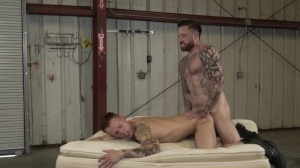Warehouse Chronicles: Boot slave - ass Action