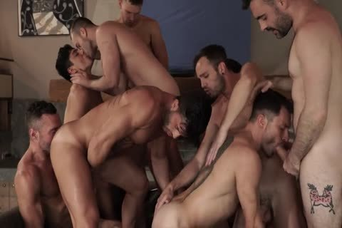 bareback With 11-chap's orgy