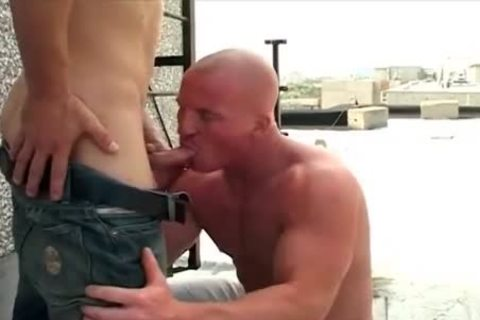 shaved oral Muscle man fucks His Skinny ally