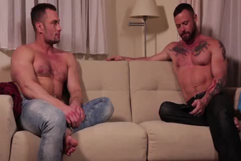 Sergeant Miles Flip-fucks With Stas Landon bare