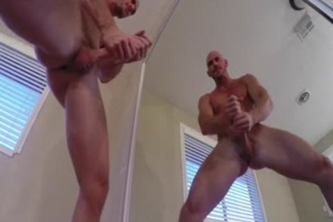 Porn stud Johnny Sins Jerks Off whilst Working Out