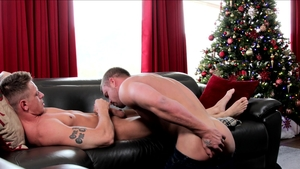 Next Door Originals: Amateur Gunner really enjoys hard ramming