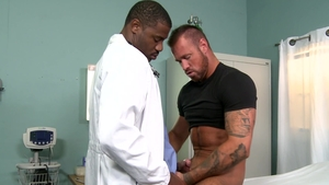 Extra Big Dicks: European Adonis Couverture jerking black cock