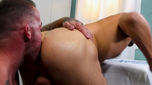 MenOver30.com - Inked Wesley Woods bareback receiving facial