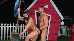 HotHouse.com: Beaux Banks bondage