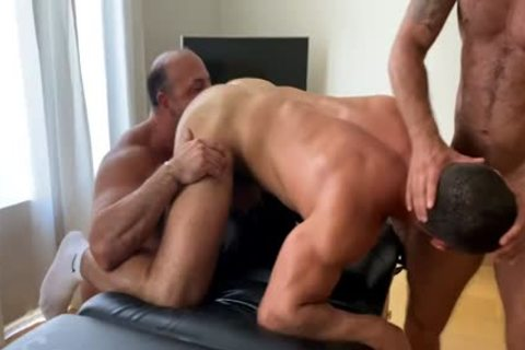 OF - Dato - 3some With Musclebeach32