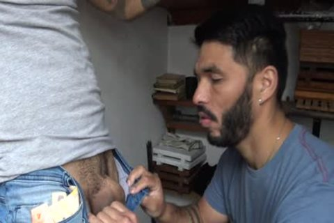 Latin Stranger receives money In Exchange To His Tattoed ass