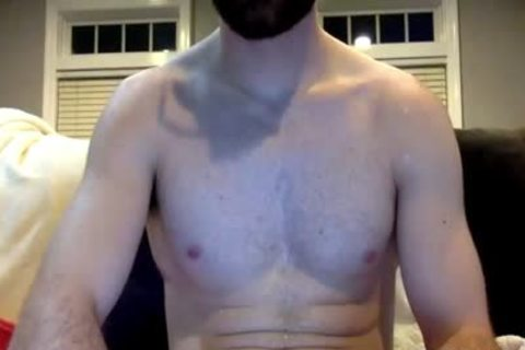 Bearded dude Jerking His big cock In cam